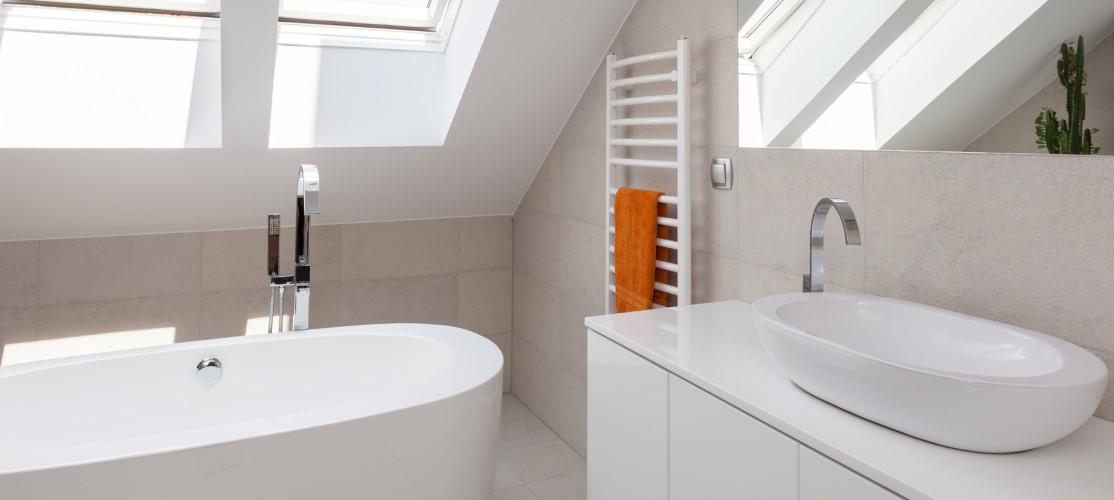 Alles fürs Bad: Waschtische, Armaturen und Badmöbel